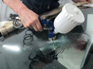 Промывка трещины на лобовом стекле