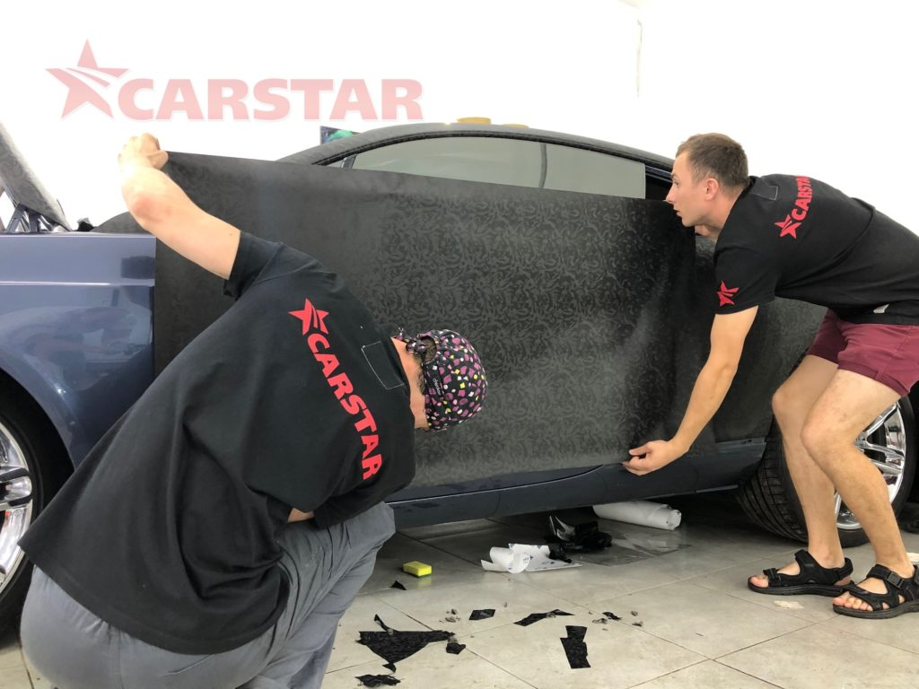CarStar Wrapping Bentley Continental