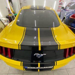 Дизайн полос и оклейка Ford Mustang